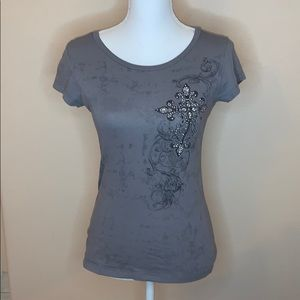 Vocal tee with cross
